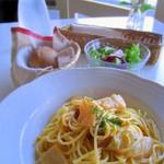 ルート ニーゼ - 料理写真:パスタランチ(キムチクリーム)¥1000 自家製パン・サラダ付き