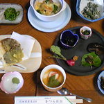 かつら旅館 - 料理写真:かつら旅館さんの夕食です。素材本来の味を楽しめます。
