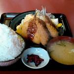 日本亭 - アジフライ定食(大盛)
