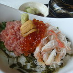 京らぎ - 料理写真:こぼれいくらの海鮮丼