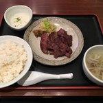 圭助 - 牛たん焼定食(中)