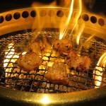 焼肉鍋問屋 志方 - ぷりぷりホルモン