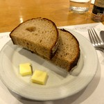 ローズベーカリー - 食べ放題のパンがつきましたが...セットドリンクのほうが嬉しいかな〜