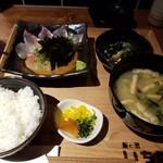 飯と酒いちばん - ゴマ鯛定食