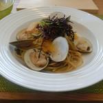 イタリアンレストラン レガーロ テッラ - 料理写真:蛤としいたけのスパゲッティ