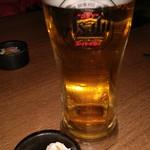 82828699 - 生ビールはスーパードライ(590円)とお通し。ちょっとお高め。