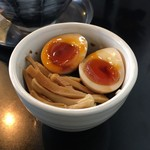 82828735 - ランチタイム『味玉御飯』250円(税込)