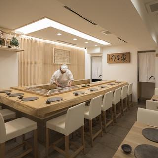 響き合う伝承の技と本格江戸前鮨の真髄をご堪能ください。
