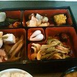 円山茶家 さくら - ランチ、食べ放題のおかず