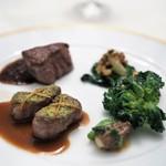 レストラン クレッセント - 北海道白糠産仔羊のロティ レモンソース 短角牛のフィレのポワレ ペリグーソース