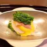 日本料理 子孫 - 帆立貝北寄貝菜の花の黄身酢がけ