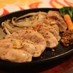 マッスルバー福岡 - 鶏ムネステーキ ¥1,000