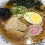 名代 富士そば - ラーメン(420円)