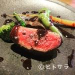 グー ド レザン - じっくり丁寧に焼き上げた『鴨胸肉のロースト 赤ワインのソース』