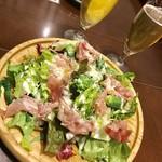 ディアボロ バンビーナ ドゥエ - 2名様セット一人¥1780のサラダと、飲み放題¥1500のビール