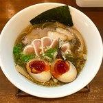 82852835 - 醤油しき麺                       (×濃厚玉子&トリレアチャーシュー)