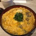 82854757 - 鳥もつ煮親子丼 780円