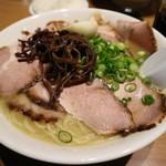 ラーメン山村 - 豚骨醤油チャーシューメンです☆ 2018-0318訪問