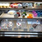Sweets Smile - ショーケースの中のケーキたち