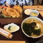 源氏総本店 - 妻のカニ天重と稲庭風うどん1580円です。