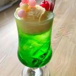 カフェ 栞 - ドリンク写真:おいりクリームソーダ