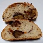 ブーランジェリー クク - 栗とナッツの天然酵母パン