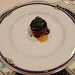 仏蘭西料理 N - フレッシュフォアグラのポワレ 苺のタルトレット