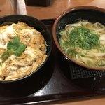 うどん大文字 - 料理写真:たまご丼セット670円、うどん普通盛りに変更
