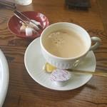 十字路 - ランチタイム「ブレンドコーヒー (180円)」