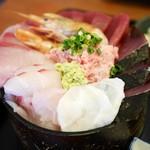 ろぐ亭 - 名物 海鮮丼¥1500