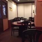 和福飯店 - 意外にこぎれい、二階もあり