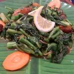 82889446 - ・辛子菜とスクティの炒め (メニュー外)