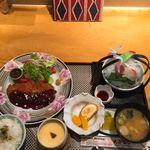 大屋冨幸  - お昼のトンカツ定食(1050円、税込み)ドリンク無し