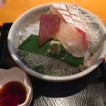 大屋冨幸  - お刺身の盛り合わせ。赤身、鯛、カンパチ?