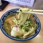 名代中華そば 山金 - 中太丸麺