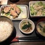 暖歓 - 鶏の唐揚げ定食=700円