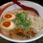 塩豚骨 らー麺 雄 - 料理写真:【雄らーめん 煮玉子入り】¥750
