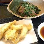 Yakitoribonomoya - ビール、りゅうきゅう、鶏天(980円)