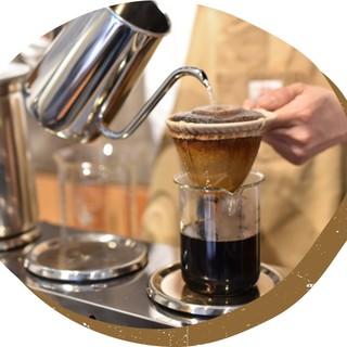 香り高い風味と、コク深いこだわりのコーヒーを食後にどうぞ。