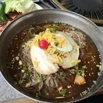 春香苑 - 冷麺(中)@735円