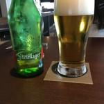 ワカヌイ グリル ダイニング バー 東京 - NZビール Steinlager(750円)