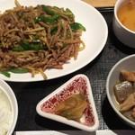 82914370 - Bランチ「青椒肉絲」定食  880円