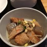 82914378 - 定食の煮物とスープ