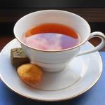 神椿 - 紅茶・クッキー