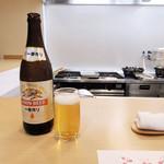和久 - ドリンク写真:瓶ビール中瓶(税別600円)