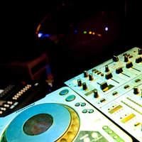 Blue - DJブース(ステージ上)