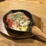 茅ヶ崎 海ぶね - 地トマトとしらすのチーズ焼き