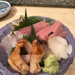 末廣鮨 - 真鯛、赤貝、紐、ミル貝、中トロ、大トロ