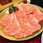 松阪 海津 - しおすき焼きの肉は、一人2枚