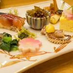 82930342 - 八寸。五島の春を思わせるお野菜を使ったお料理や五島鯖のお鮨など10種類の盛り合わせです。